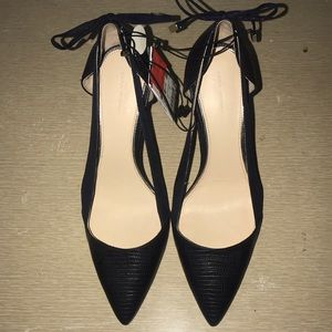 Zara Woman Cutout Pumps Sz. 39 (US 9)